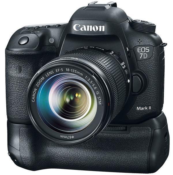 Первый взгляд на главную зеркалку выставки — Canon EOS 7D Mark II