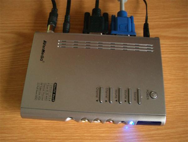 Тюнер ТВ внешний AVerMedia AverTV Box9, ПДУ, RCA/S-Video/VGA вход, аудио вход/выход, 1280*1024, PIP, NICAM стерео, БП