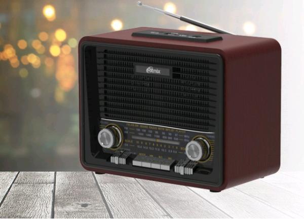 Радиоприемник Ritmix RPR-088 BLACK, MP3, AM/FM/SW, USB2.0/microSD, AUX, аккумулятор/UM-1*4шт/220В, черный